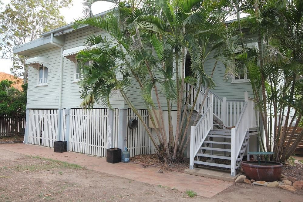 FAMILY HOME WITH HEAPS OF ROOM TO MOVE PLUS A SPA
