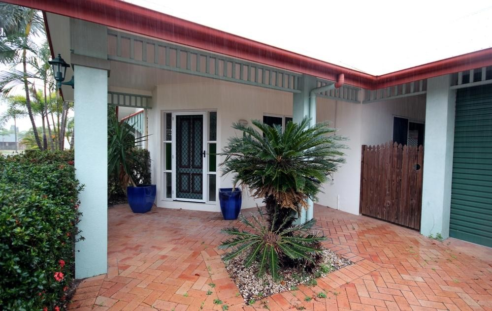 LARGE 3 BEDROOM HOME WITH SHED