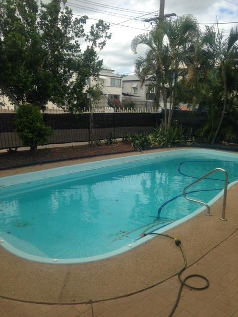 Cosy, Quiet Unit with Pool!