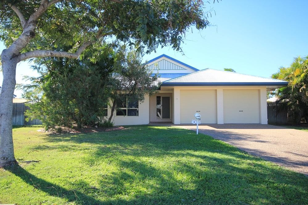 Large 4 Bedroom Home in Kirwan